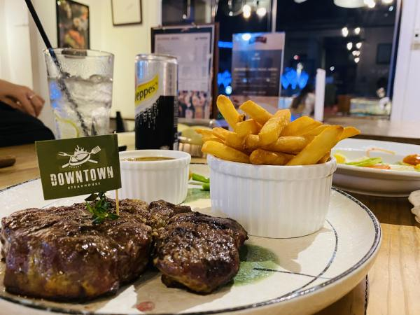downtown-steakhouse-nguyen-hue-review.jpg